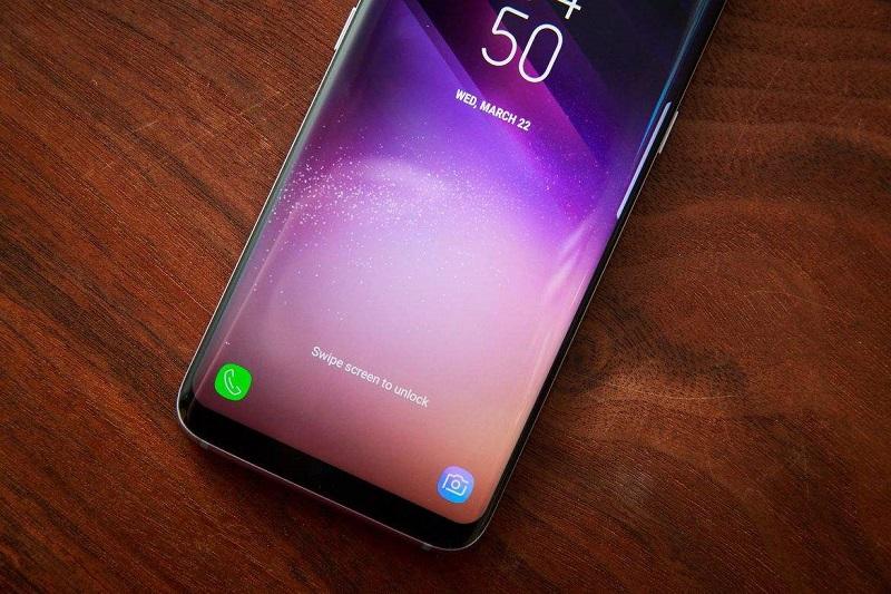 """全面屏时代,智能手机如何摆脱""""千机一面""""?"""