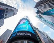 """新氧科技业绩涨8成股价跌33.49% """"颜值经济""""还能美多久?"""